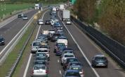 Автономните коли засега не намаляват катастрофите