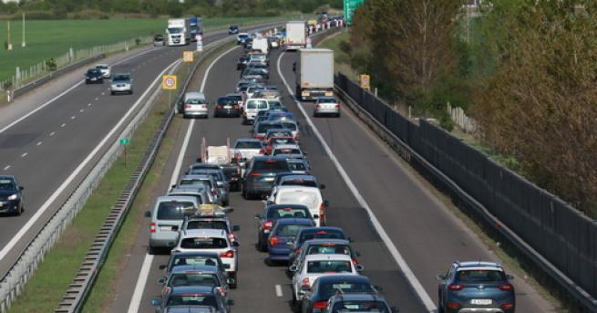 Технологии Автономните коли засега не намаляват катастрофите Проучване показва, че