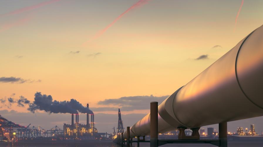 Страните от ОПЕК започнаха да съкращават добива на нефт