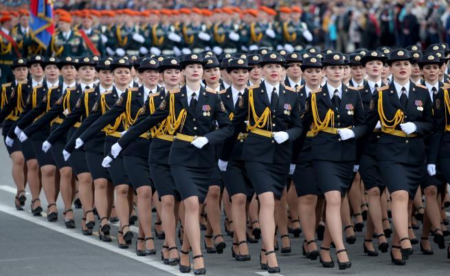 Въпреки коронавируса, те го направиха – пълен военен парад