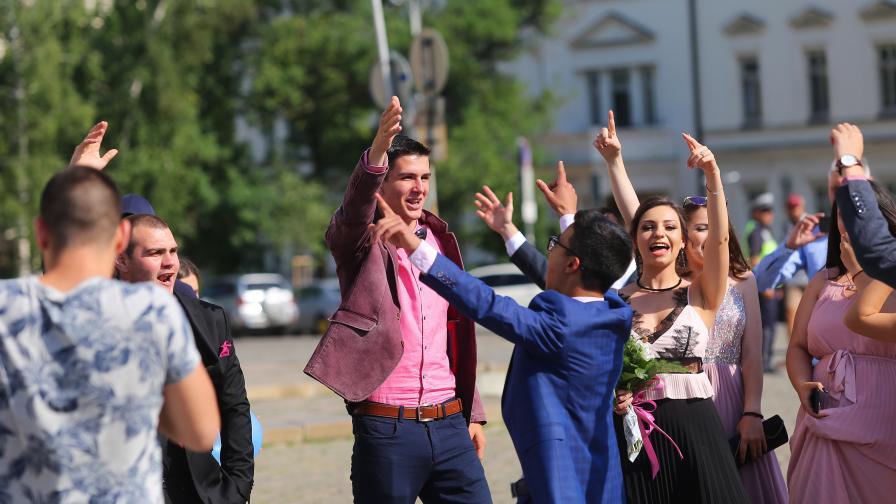 Ново огнище: 60% от присъствалите на бал във Велико Търново с коронавирус