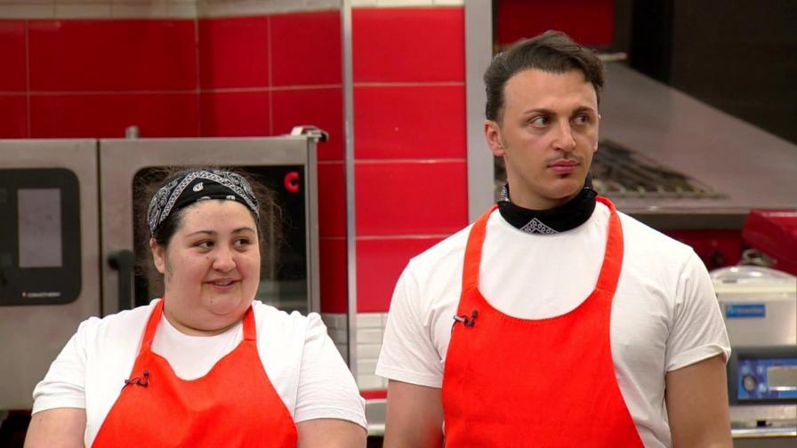 <p>Галя срещу Реджеп за място в топ 4 на Hell&rsquo;s Kitchen България</p>