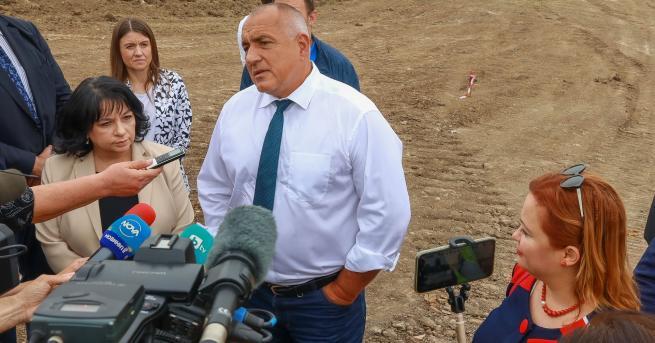 България Борисов: Няма да се хвана на Божков ТВ, законът