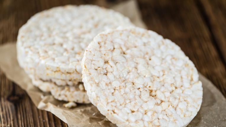 Как да изберем най-здравословните оризови снаксове?