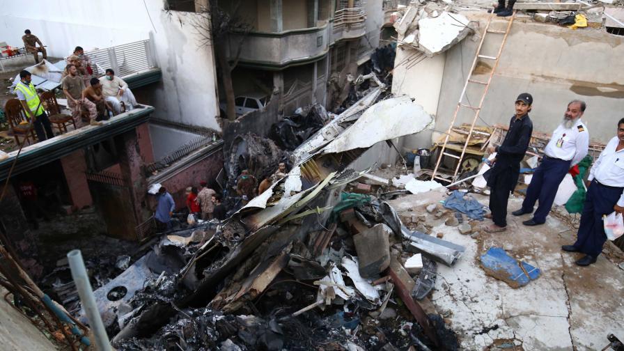 <p>Оцелял в самолетната катастрофа: &quot;Всичко беше огън, хората крещяха&quot;</p>