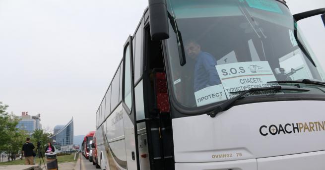 България Пада 14-дневната карантина за българските шофьори на международни превози