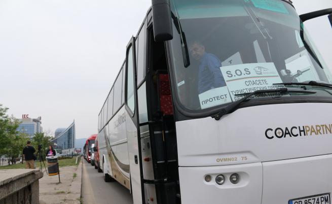 Пада 14-дневната карантина за българските шофьори на международни превози