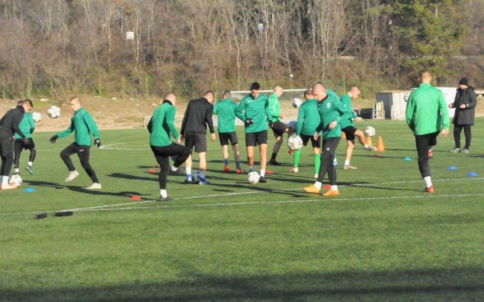 От утре отборите от школата на Бероеще подновят своите занимания