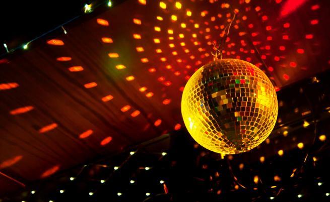 Отварят дискотеките, нощните клубове и баровете
