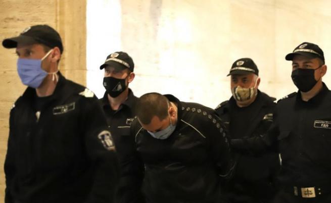 Оставиха в ареста мъжа, хванат с над 360 кг кокаин в