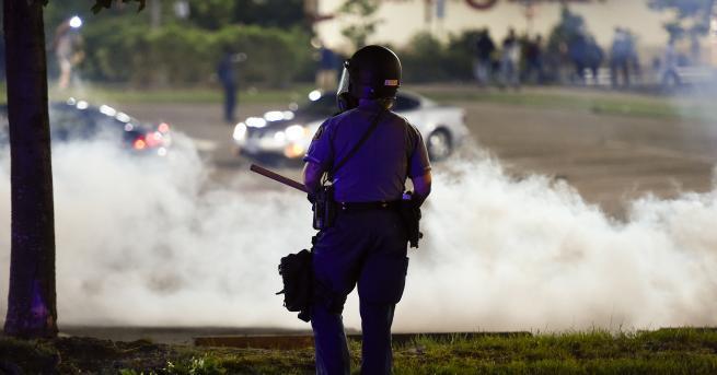 Свят Сблъсъци с полицията и масови протести след смъртта на