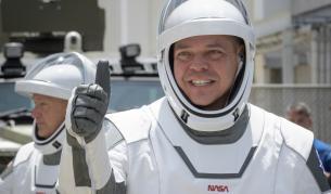 """""""Дракон"""" на SpaceX с двама астронавти бе изстрелян в орбита"""
