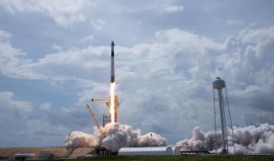 Българи са част от екипа на SpaceX, извел астронавти в Космоса - Любопитно | Vesti.bg