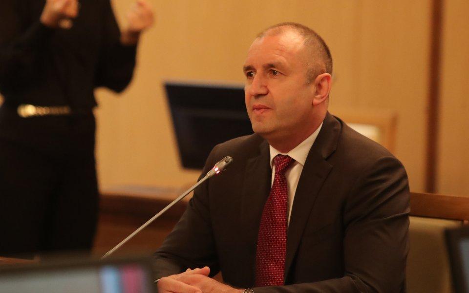 Румен Радев изказа съболезнования на семейството на Бисер Михайлов