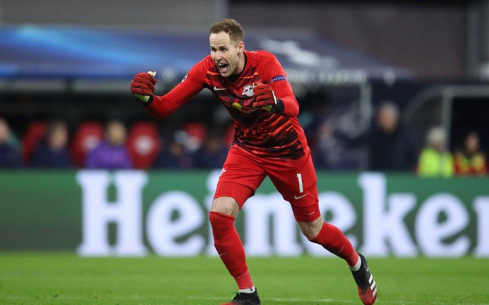 Вратарят на Лайпциг Петер Гулачи записа втора асистенция за сезона