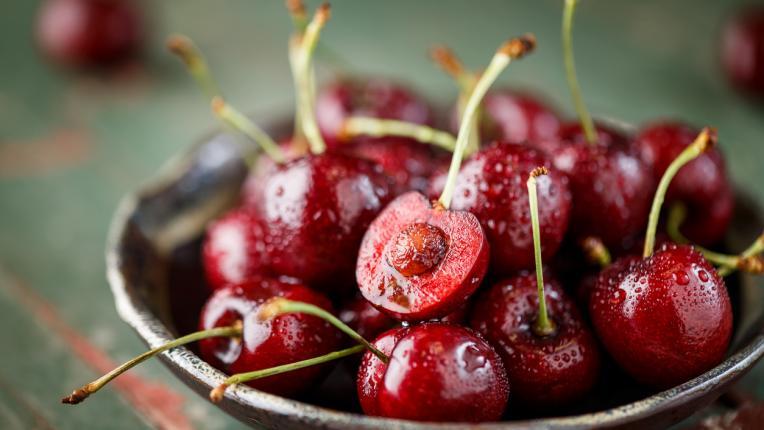 15 причини да ядем череши