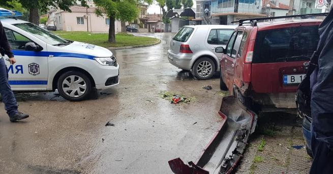 България Каскада във Варна, шофьор помете коли и блъсна пешеходка