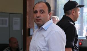 Бившият кмет на Костенец отива на съд заради подкуп и незаконни боеприпаси - България