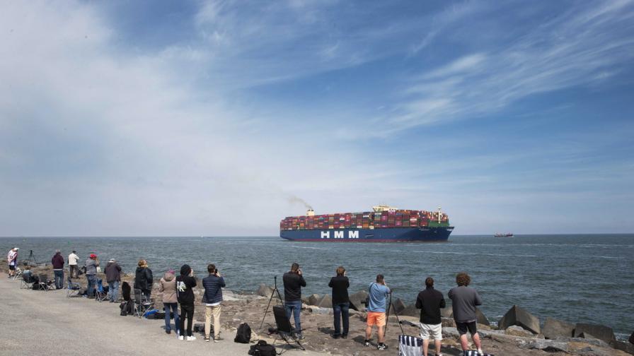 Най-големият контейнеровоз в света