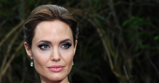 Любопитно Ослепителната Анджелина Джоли на 45! Американската актриса, завладяла сърцата