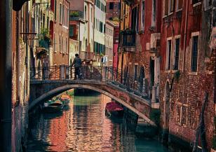 Рекордно висок прилив във Венеция