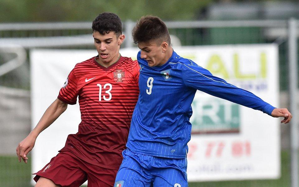 Милан проявява сериозен интерес към португалския тийнейджър Томас Араужо. Според