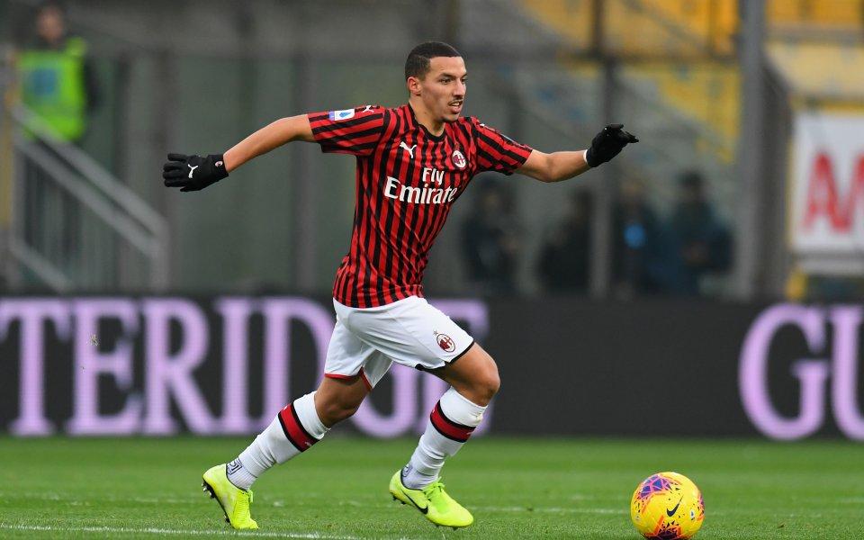Битката на трансферното поле за халфа на Милан Исмаел Бенасер