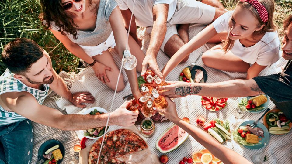 лято приятели храна
