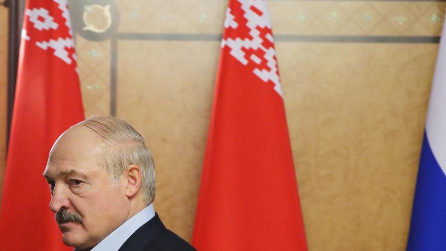 Лукашенко: Световните лидери прибират милиарди от коронавируса