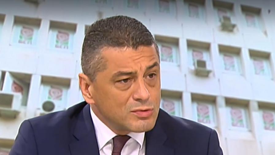 Янков: Нинова отново изненада всички в БСП