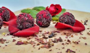 Бонбони с български пробиотик и розово масло