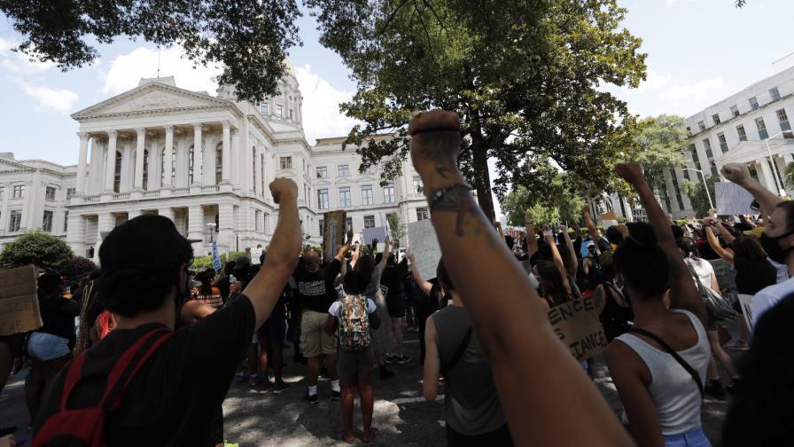 Ново убийство на чернокож в САЩ подпали Атланта