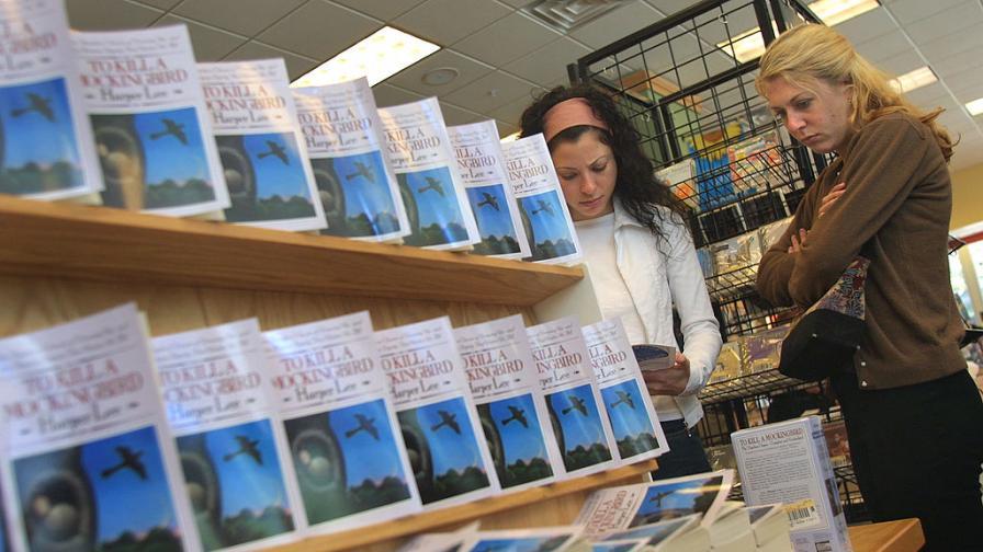 Литературните класики, които бяха обвинени в расизъм