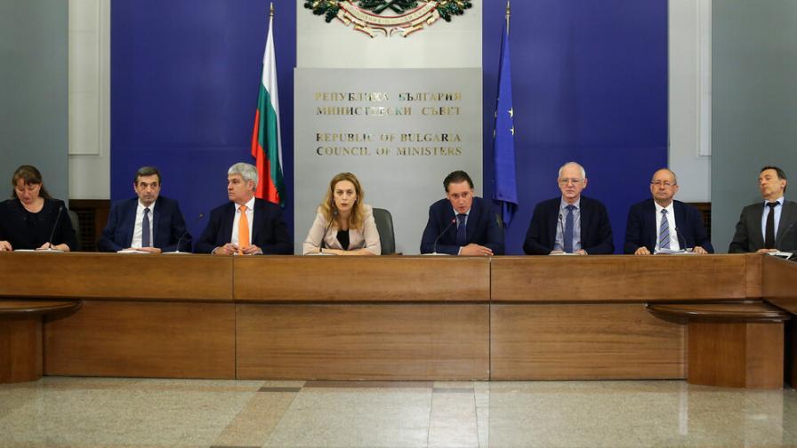Бизнес, правителство и синдикати сключиха важни споразумения