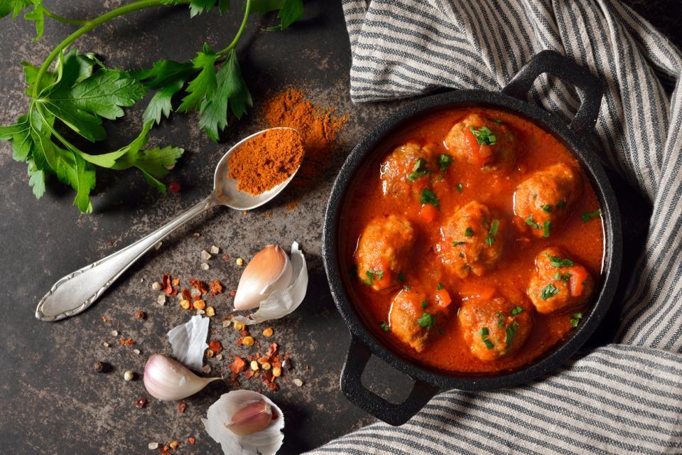 кюфтета доматен сос храна вкусно тапас Испания