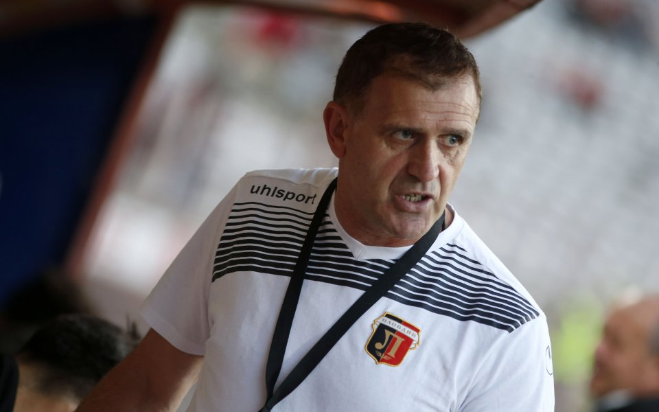 Треньорът на Локомотив Пловдив Бруно Акрапович говори пред Gong.bg за