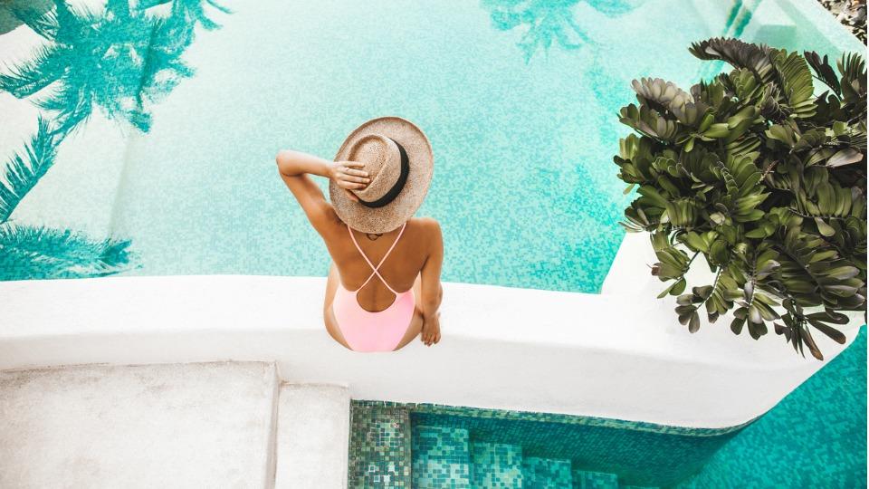 жена лято басейн почивка море