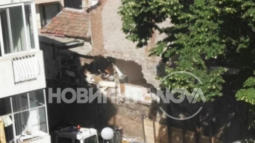 Кой е виновен за срутването на къща в Пловдив