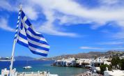Гърция отвори за туристи, опашка от автомобили на