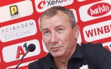 Белчев получава една година пълен кредит на доверие в ЦСКА