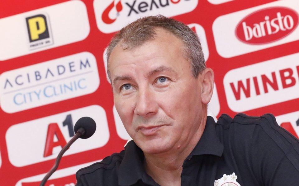 Новият старши треньор на ЦСКА - Стамен Белчев ще получава