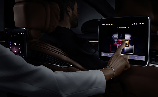 OLED дисплеите осигуряват по-добро ниво на черния цвят и още по-силни контрасти