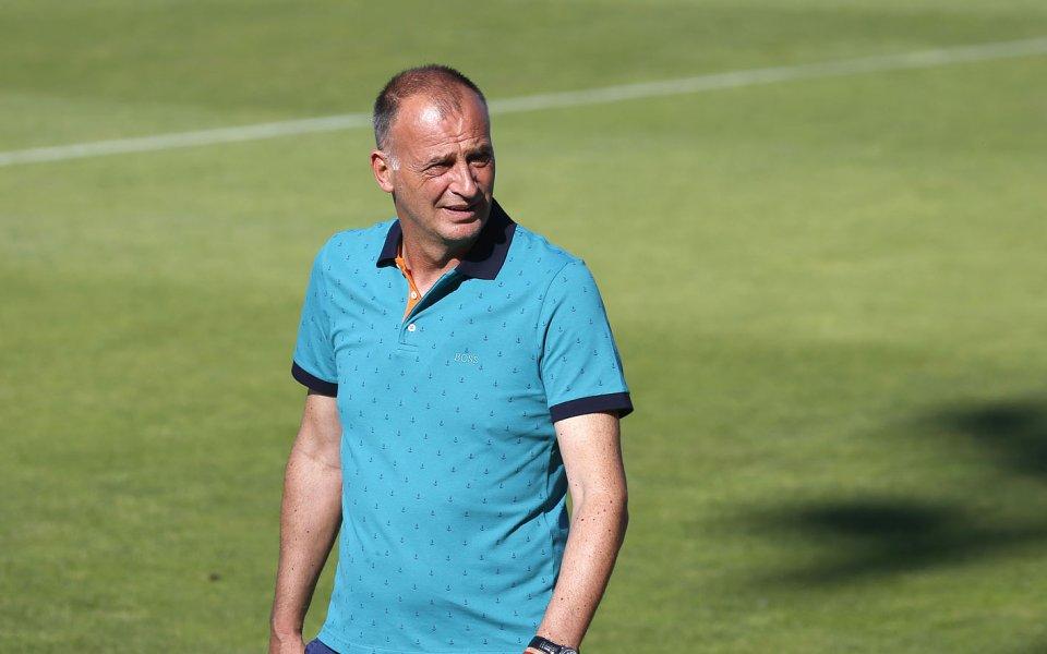 Наставникът на Ботев Враца Антони Здравков поздрави футболистите, треньорския си