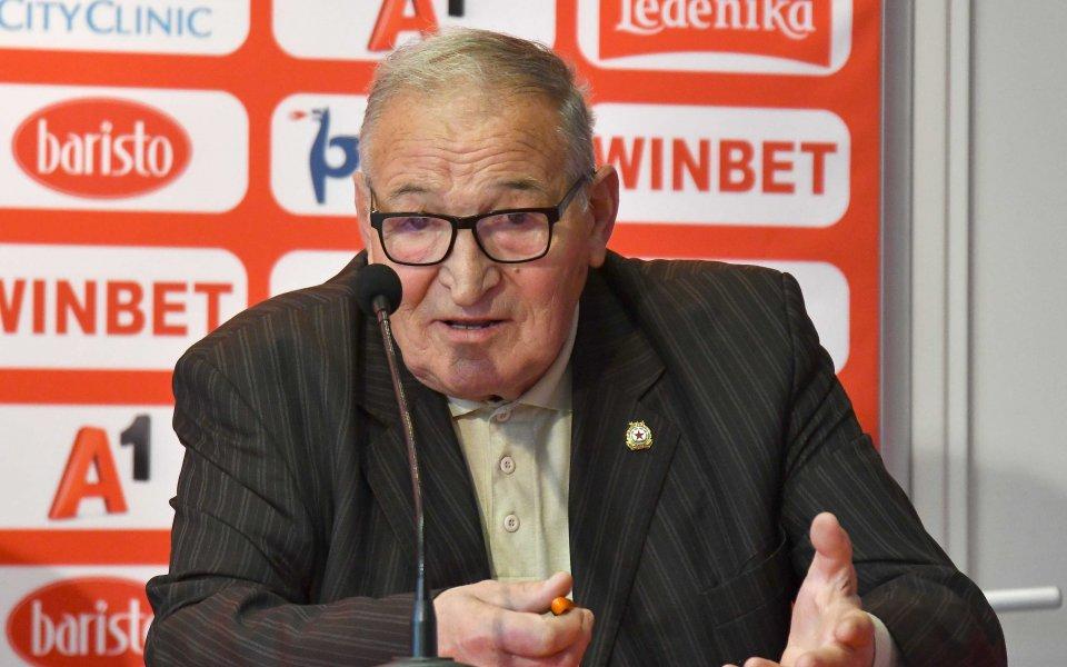 От БФС поздравиха легендарния треньор Димитър Пенев за рождения му