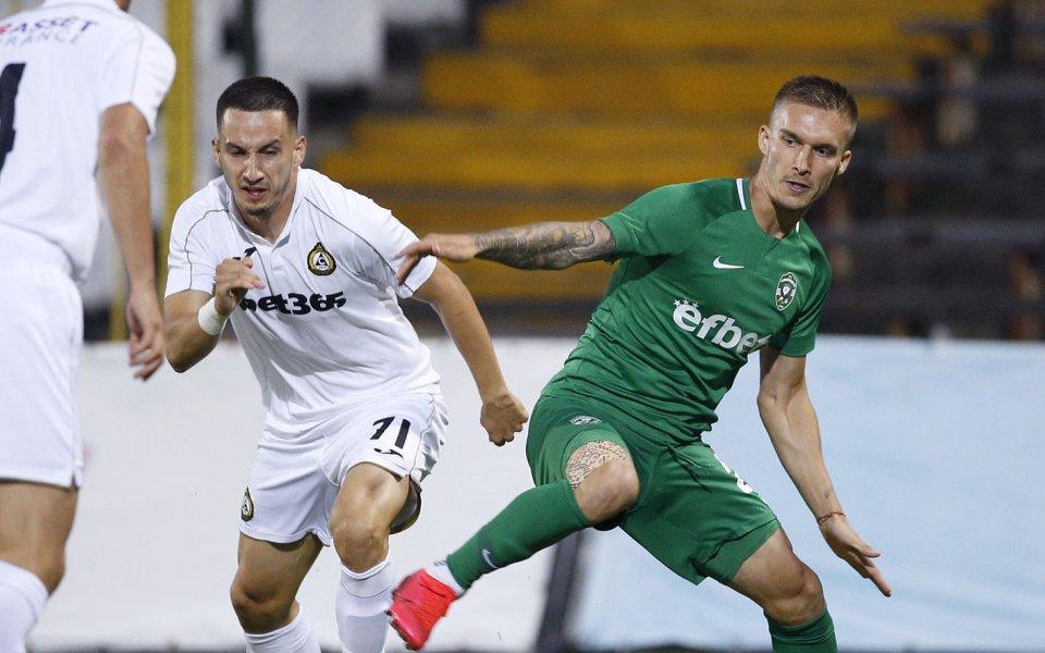 Славия и Лудогорец играят при резултат 2:0 в последем мач