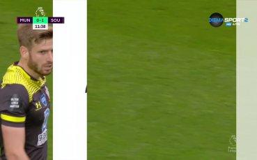 Саутхемптън зашлеви Юнайтед рано на Олд Трафорд