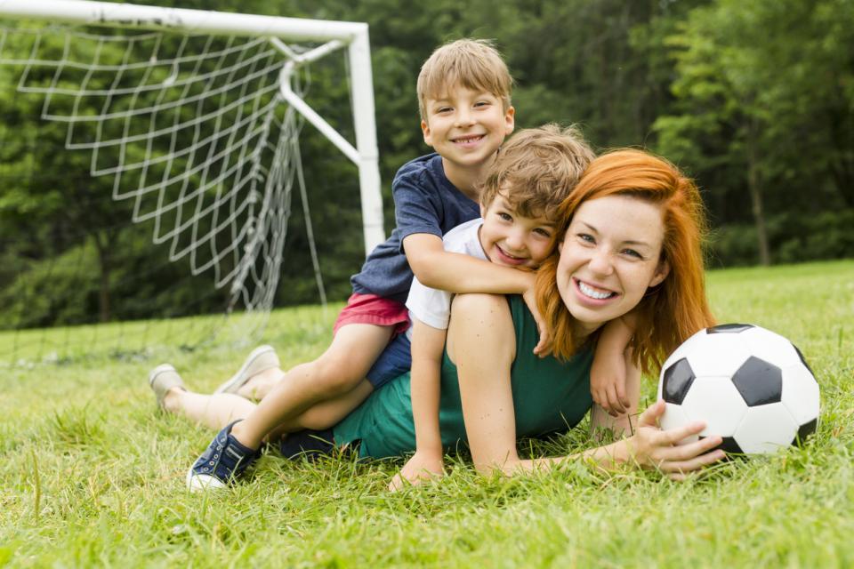 деца майка синове момчета син дете