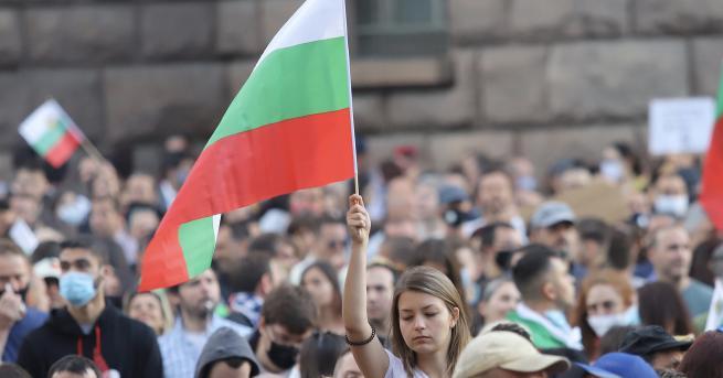 България Шеста поредна вечер на антиправителствени протести Има засилено полицейско