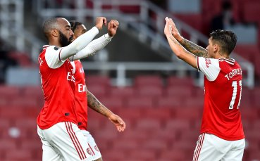 Нехаен Ливърпул дари Арсенал с успех в странен мач