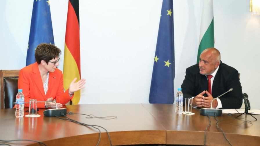 Борисов към Каренбауер: Основен приоритет и за България е укрепването на устойчивостта